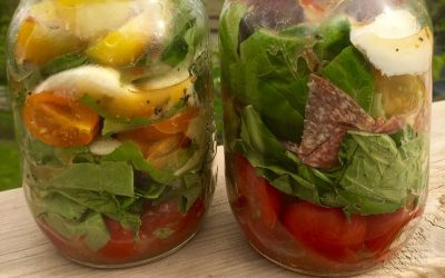 Layered Caprese Salad In A Jar!