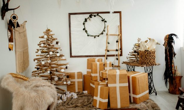 How To Master The Art Of Mindful Gifting This Festive Season